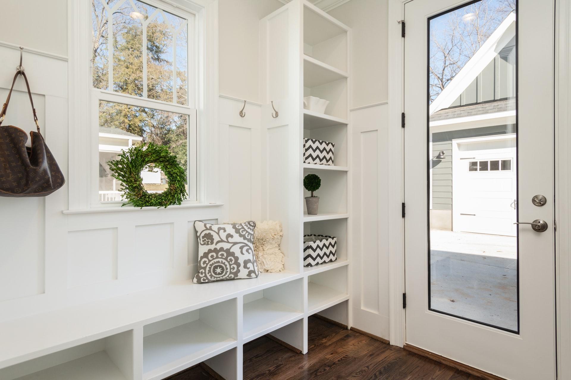 Consejos para decorar recibidores pequeños de una casa